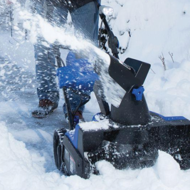 Best cordless electric snowblower: Snow Joe iON18SB
