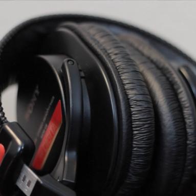 Sony MDRV6 Studio Monitor Headphones