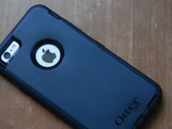 The most durable iPhone 7 case   Otterbox Commuter / Defender